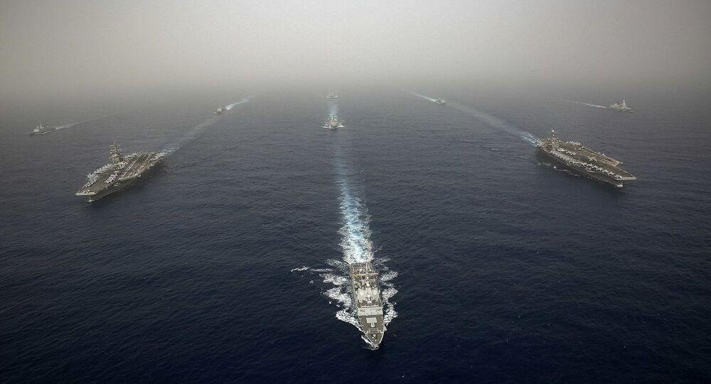 سفن حربية أمريكية وإسبانية في البحر المتوسط