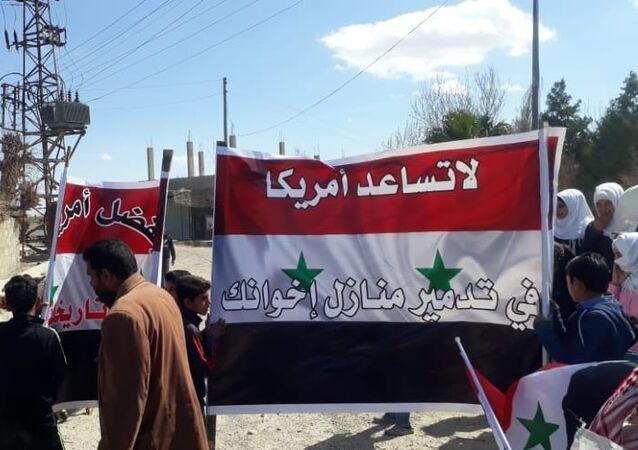 قبائل عربية شرقي سوريا تطالب الجيش الأمريكي بالتوقف عن سرقة النفط