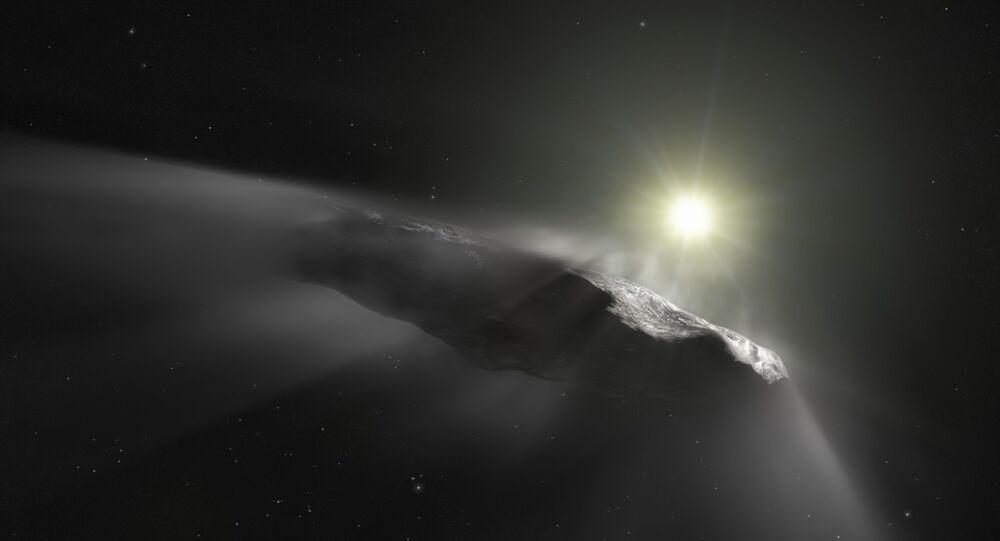 أومواموا صخرة عبرت المجموعة الشميسة بشكل غريب في عام 2017