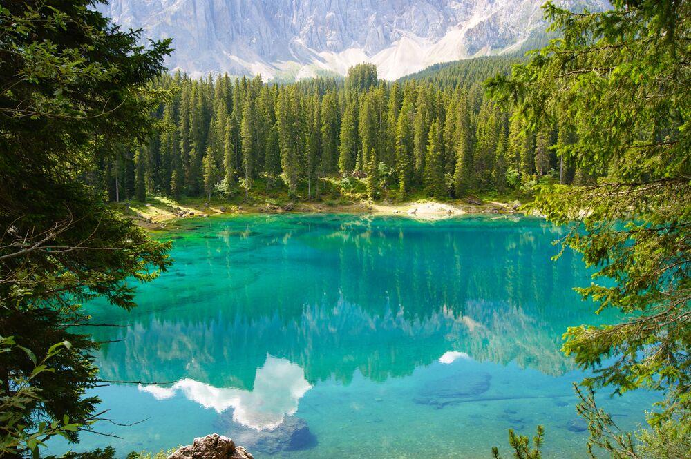 بحيرة كاريزا في كندا