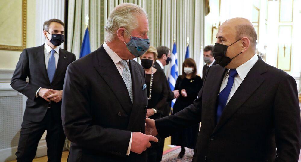 رئيس الوزراء الروسي يجري محادثة قصيرة مع الأمير تشارلز