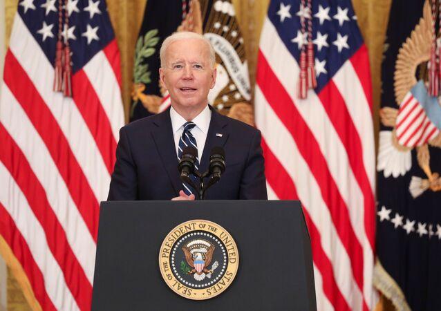 الرئيس الأمريكي، جو بايدن، أثناء عقده أول مؤتمر صحفي له منذ توليه الرئاسة، البيت الأبيض، واشنطن، الولايات المتحدة، 25 مارس/ آذار 2021