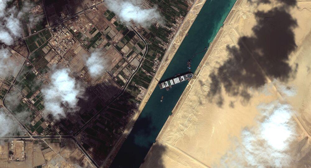 جنوح سفينة إيفرغيفن بقناة السويس