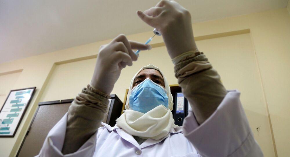 التطعيم باللقاح أسترازينيكا ضد فيروس كورونا في طوباس، الضفة الغربية، فلسطين، 25 مارس 2021