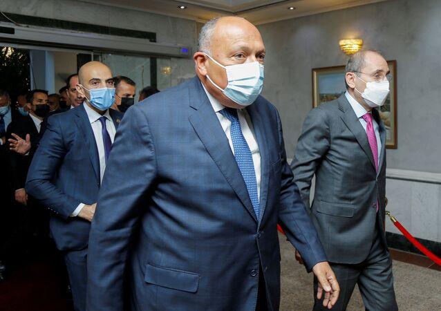قمة ثلاثية عراقية مصرية أردنية - وزير الخارجية المصري سامح شكري، وزير الخارجية الأردنية أيمن الصفدي، ووزير الخارجية العراقي فؤاد حسين، بغداد، العراق 29 مارس 2021