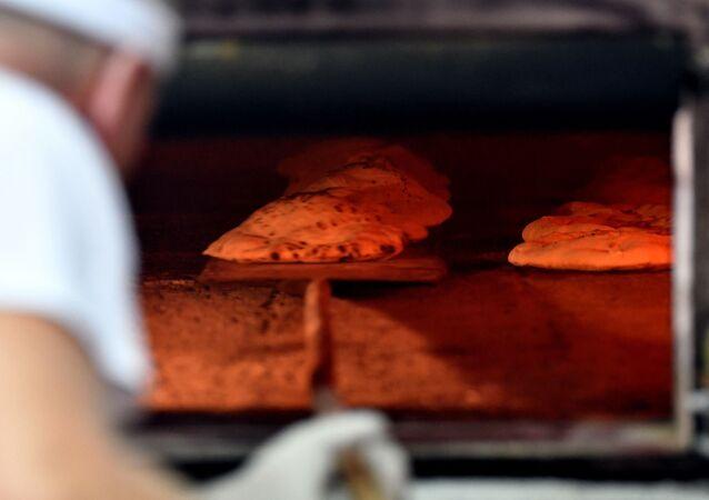 تحضير خبز في شهر رمضان