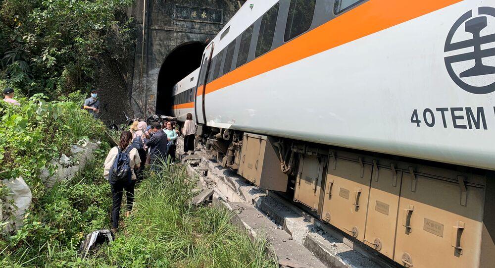 حادثة خروج قطار عن القضبان في نفق شرقي تايوان، 2 أبريل 2021