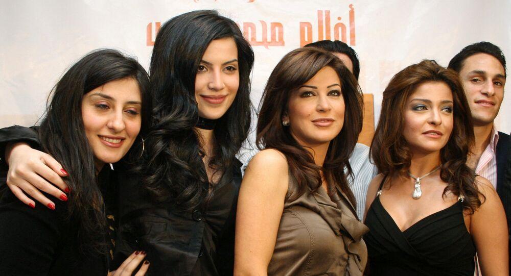 الفنانة المصرية، علا غانم، مع الفنانة السورية، جومانا مراد