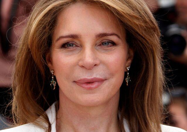 أرملة عاهل الأردن الراحل الملك حسين، الملكة نور والدة الأمير حمزة