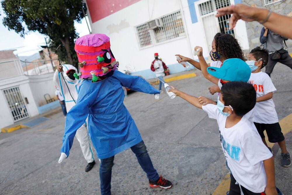 مراسم الاحتفال بعيد الفصح الكاثوليكي في كاراكاس، فنزويلا 4 أبريل 2021