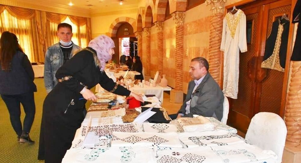 (سوريا أم الكل )... صرخة ضد الحرب بتحويل الأمهات المعيلات إلى سيدات أعمال