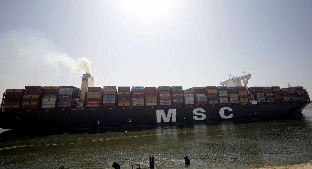جنوح بسيط لسفينة في مجرى قناة السويس، السفينة بعد عبورها قناة السويس، الإسماعيلية، مصر 6 أبريل 2021