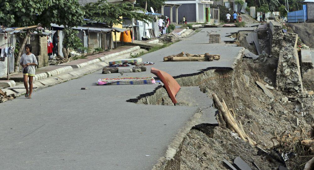 تداعيات زلزال قوي ضرب محافظة نوسا تنقارا الغربية، إندونيسيا 6 أبريل 2021