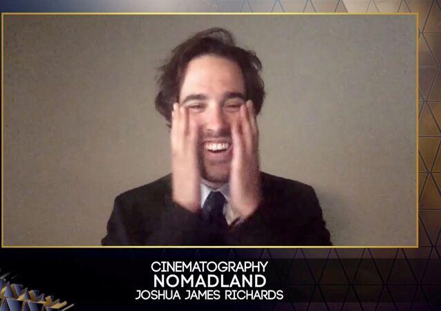 فيلم نومادلاند يحصد أكبر جوائز بافتا البريطانية