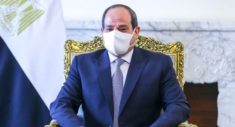 الرئيس المصري عبد الفتاح السيسي يلتقي مع وزير الخارجية الروسي سيرغي لافروف في القاهرة، مصر 12 أبريل 2021