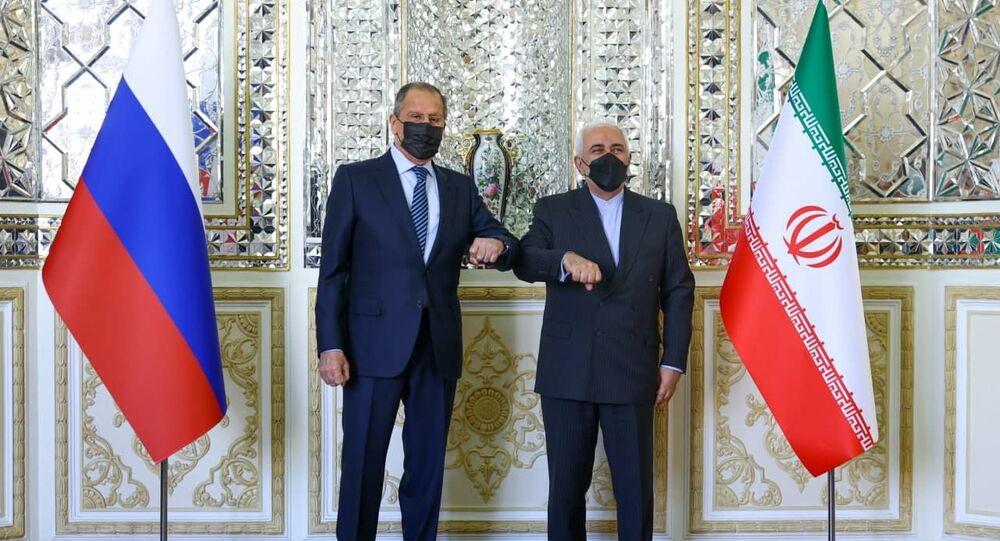 المؤتمر الصحفي المشترك لوزير الخارجية الروسي ونظيره الإيراني في طهران