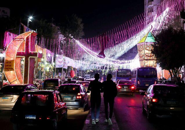 تزيين شوارع مدينة القاهرة بمناسبة شهر رمضان، مصر 8 أبريل 2021