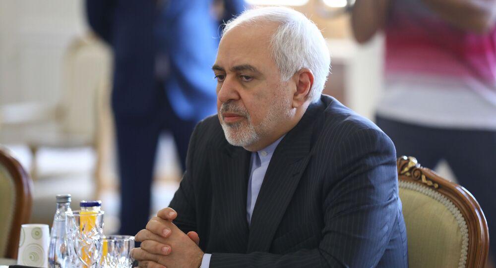 وزير الخارجية الإيراني جواد ظريف يلتقي مع نظيره الروسي سيرغي لافروف في طهران، إيران 13 أبريل 2021