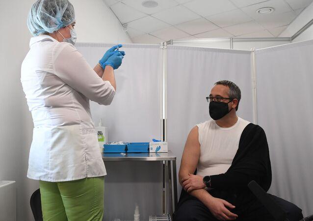 التطعيم بلقاح سبوتنيك V ضد فيروس كورونا، روسيا 14 أبريل 2021