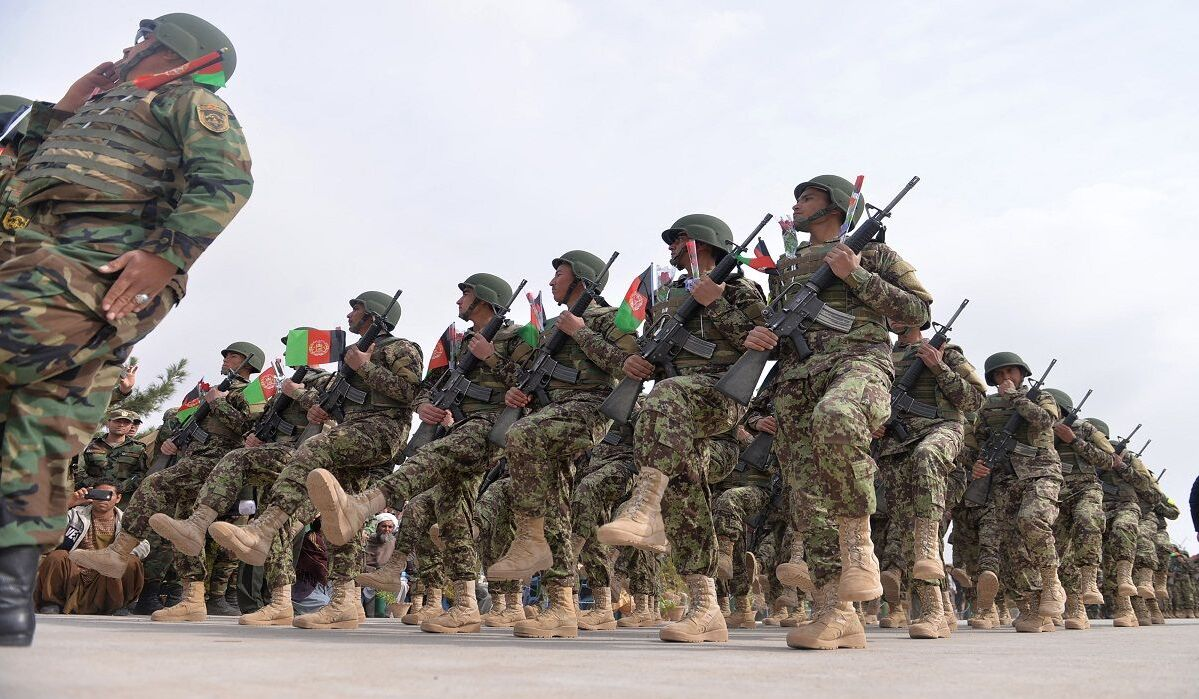 الجيش الأفغاني .. جنود يشاركون في تمرين عسكري