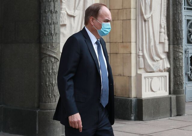 السفير الروسي لدى الولايات المتحدة أناتولي أنتونوف في مقر وزارة الخارجية 15 أبريل 2021