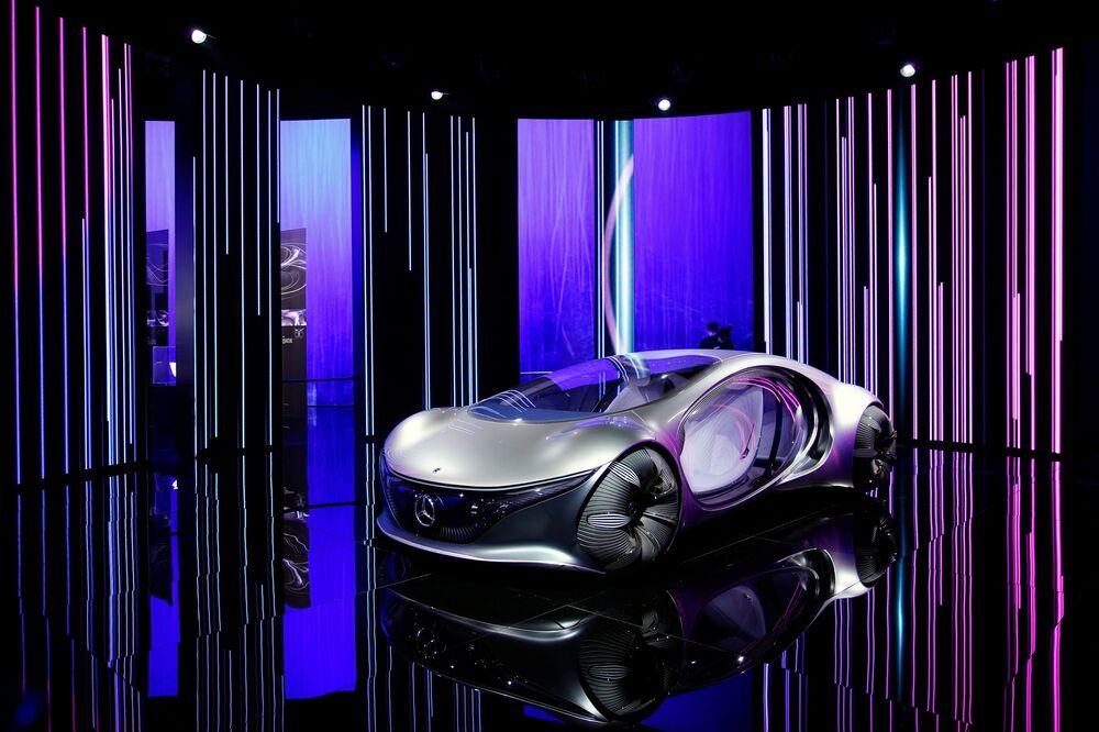 نموذج سيارة (Mercedes-Benz Vision AVTR) في معرض شنغهاي للسيارات، الصين 19 أبريل 2021