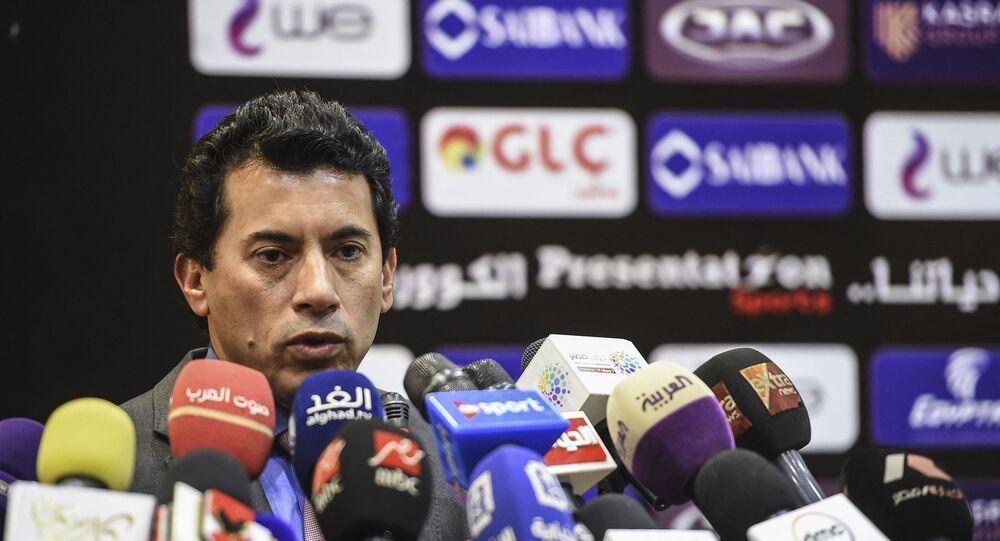 وزير الشباب والرياضة المصري، الدكتور أشرف صبحي