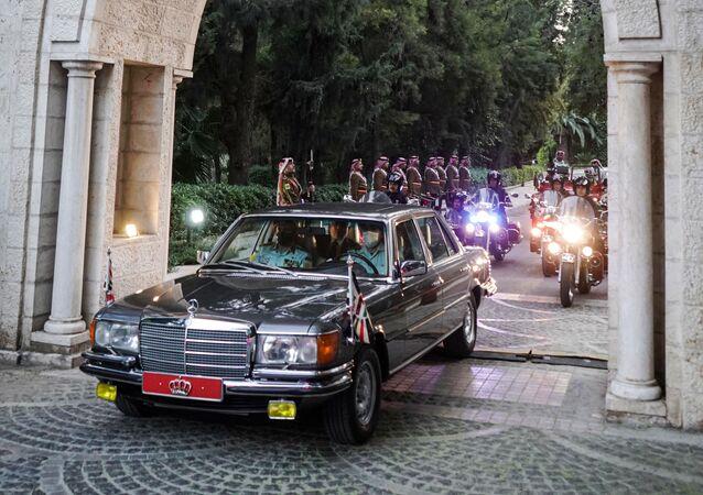 موكب العاهل الأردني الملك عبد الله الثاني يصل إلى الديوان الملكي الهاشمي في العاصمة عمان