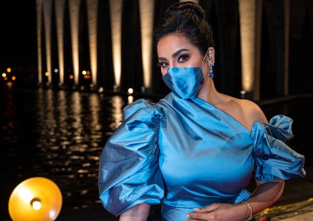 الفنانة السعودية لجين عمران