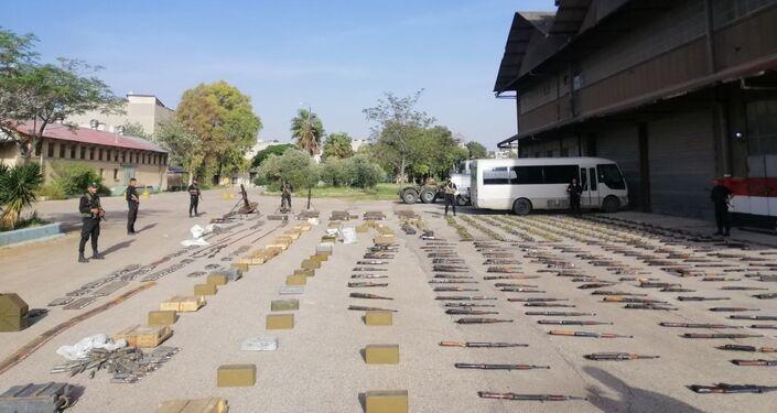 الأجهزة الأمنية السورية تضبط مستودعا ضخما للأسلحة في بادية حمص