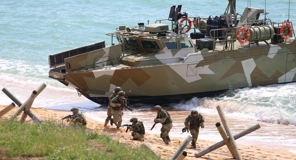 وزير الدفاع الروسي سيرغي شويغو، يراقب مناورات قوات الجيش الروسي في شبه جزيرة القرم الروسية، روسيا 22 أبريل 2021