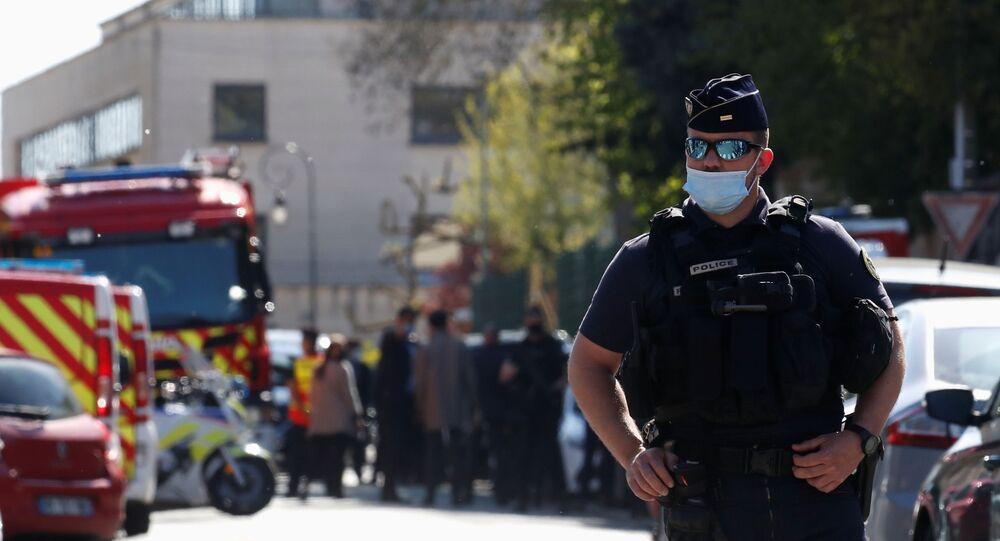 حادثة مقتل شرطية فرنسية في عملية طعن قرب باريس، فرنسا 23 أبريل 2021