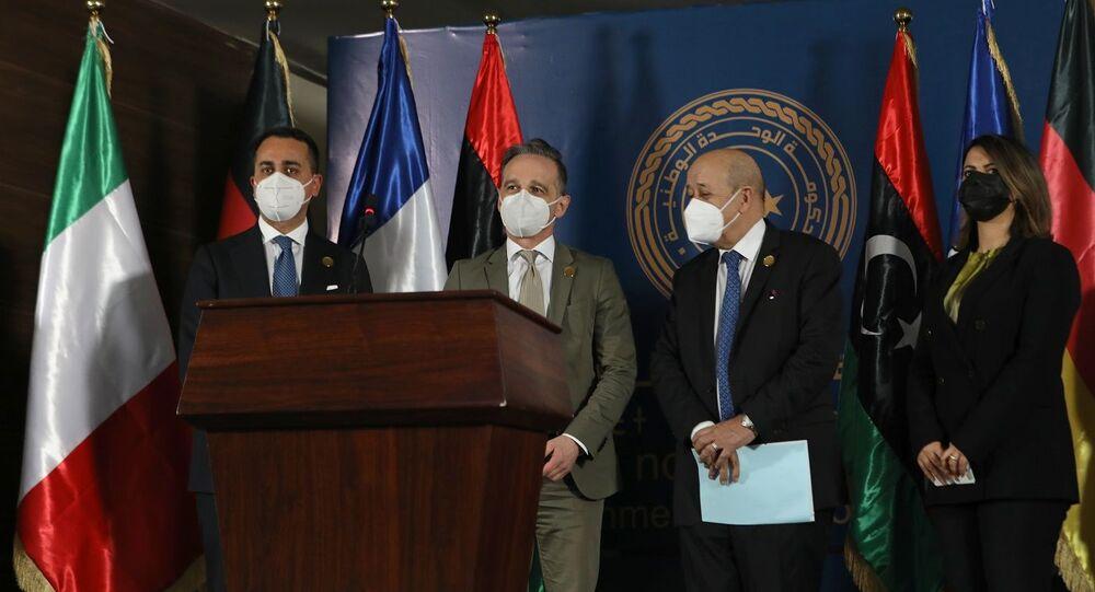 وزيرة الخارجية الليبية نجلاء منقوش بجوار وزراء خارجية إيطالية وألمانيا وفرنسا