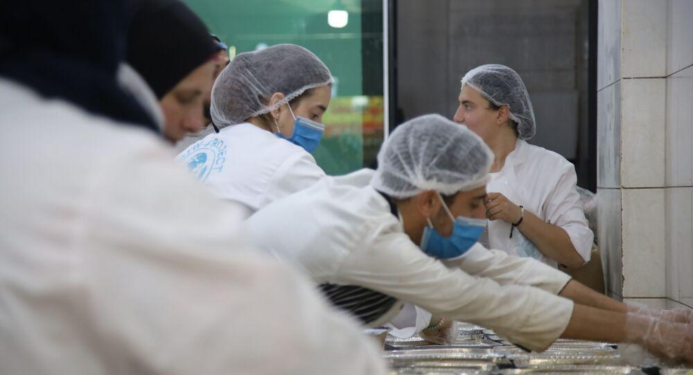 في لبنان تحويل مغسل للسيارات إلى مطبخ خيري