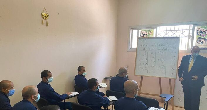 أحد فصول محو الأمية داخل سجن مصري، 24 نيسان/ أبريل 2021