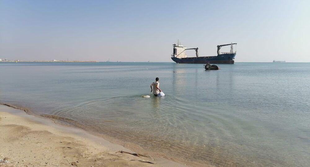 القبطان السوري محمد عائشة أمضر أربع سنوات على متن باخرة محتجزة في قناة السويس في مصر