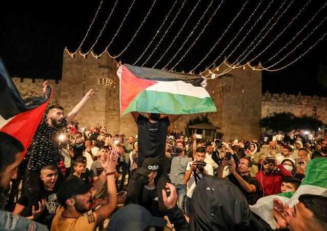 باب العامود، بعد انسحاب الشرطة الإسرائيلية، البلدة القديمة في القدس، فلسطين 25 أبريل 2021