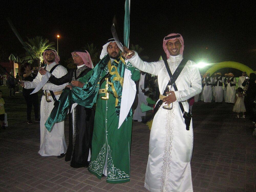 رقصة العرضة النجدية وتعرف أيضا بـ العرضة السعودية