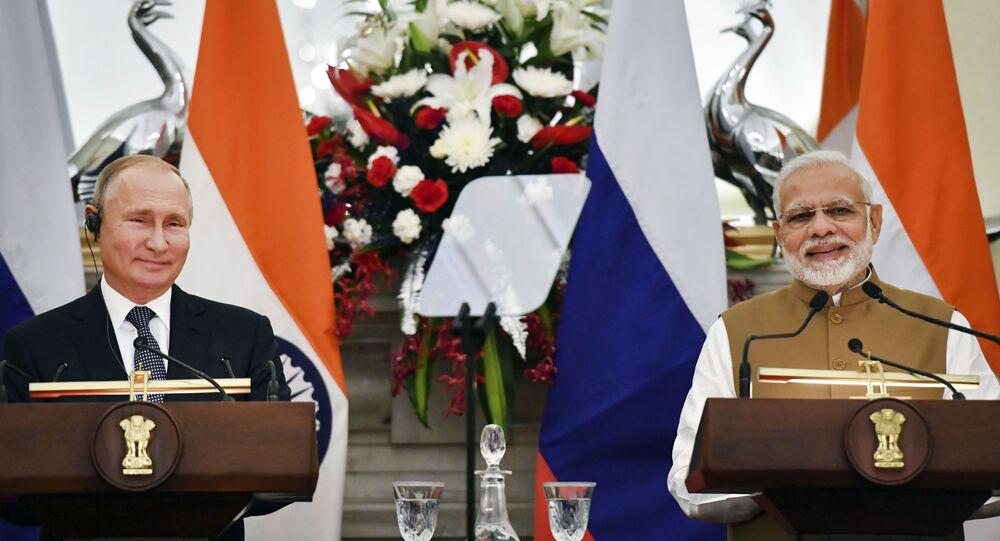 مؤتمر صحفي مشترك للرئيس الروسي فلاديمير بوتين ورئيس الوزراء الهندي ناريندرا مودي، عقب محادثات حول صفقة شراء إس-400 الروسية،  نيودلهي، الهند 5 أكتوبر 2018
