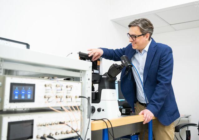 الجامعة الوطنية البحوث التكنولوجية ميسيس تقدم مجهر جديد لتوضيح أسباب الإصابة بالسرطان والزهايمر وباركنسون في