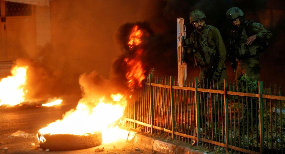 فلسطينيون ينظمون احتجاجات مناهضة لإسرائيل بسبب التوتر في القدس