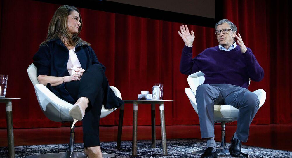 الملياردير بيل غيتس وزوجته ميليندا