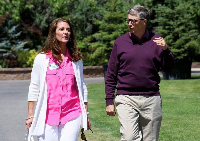 رجل أعمال الأمريكي بيل غيتس و زوجته مليندا غيتس، 2014