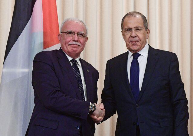 وزير الخارجية الروسي سيرغي لافروف، اليوم الأربعاء مع وزير الخارجية الفلسطيني رياض المالكي