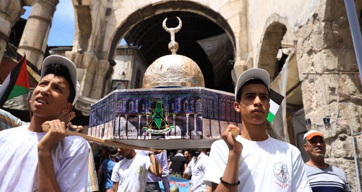 في يومها العالمي القدس أقرب في شوارع دمشق