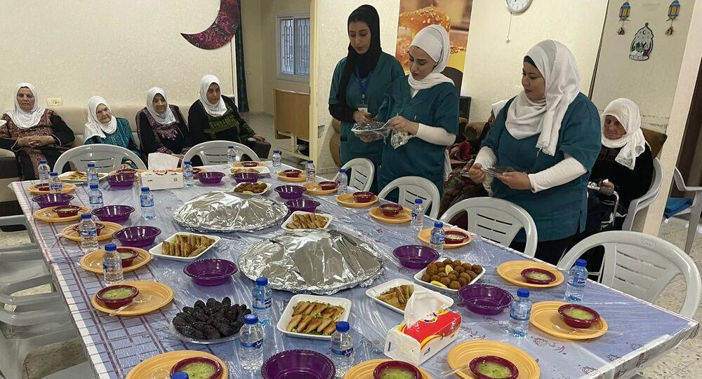 جمعية الكوثر لرعاية المسنين تحتفي بالنزيلات خلال شهر رمضان
