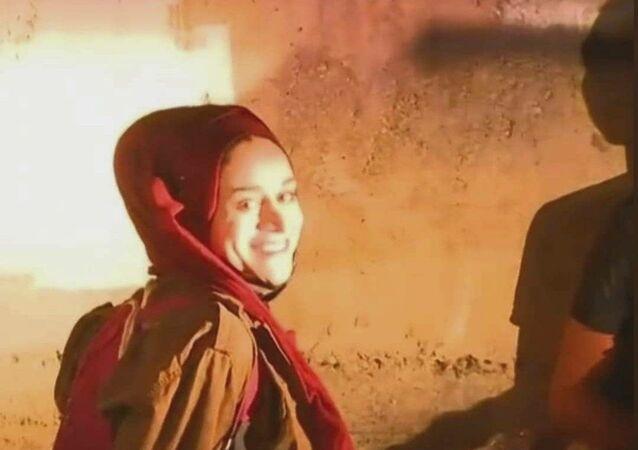 ناشطون لحظات اعتقال الشابة الفلسطينية، مريم العفيفي، من قبل رجال الشرطة الإسرائيلية