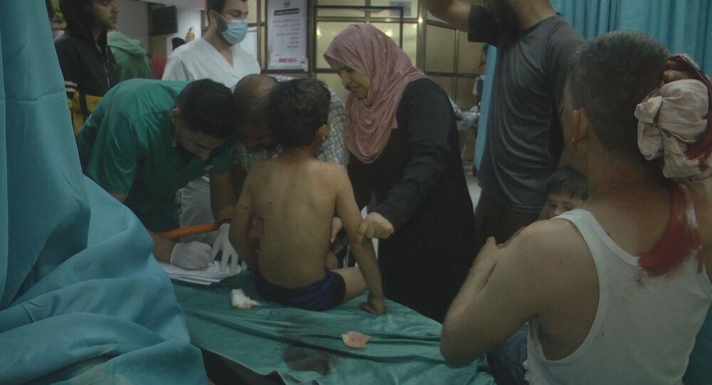 إصابة أطفال في قصف إسرائيلي عنيف يضيء سماء غزة