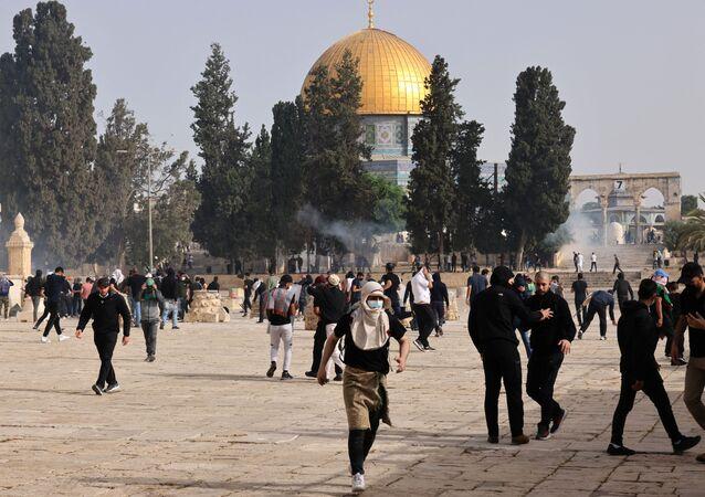 أحداث - الشيخ جراح - اشتباكات بين الجانبين الفلسطيني والإسرائيلي، ساحة الأقصى، القدس، مسجد قبة الصخرة، فلسطين 10 مايو 2021