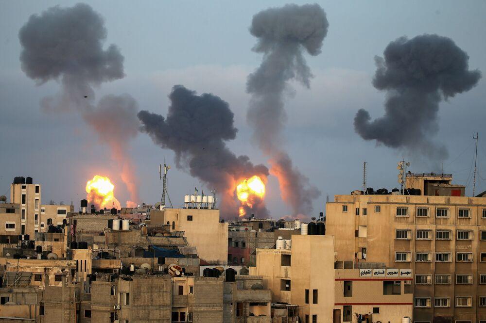 تبادل إطلاق نار بين الجانبين الفلسطيني و الإسرئيلي، قطاع غزة، غزة، فلسطين، إسرائيل 11 مايو 2021